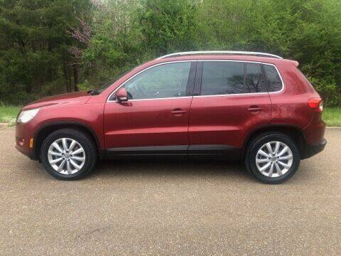 2011 Volkswagen Tiguan for sale at Monroe Auto's, LLC in Parsons TN