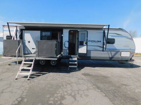 2020 COACHMEN CATALINA 33' REAR KIT TRAVEL TRAILER W/ SUPERSLIDE for sale at Gold Country RV in Auburn CA