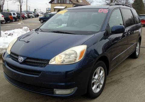 2005 Toyota Sienna for sale at Waukeshas Best Used Cars in Waukesha WI