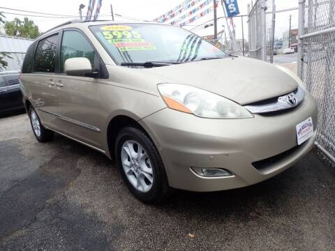 2006 Toyota Sienna for sale at Dan Kelly & Son Auto Sales in Philadelphia PA