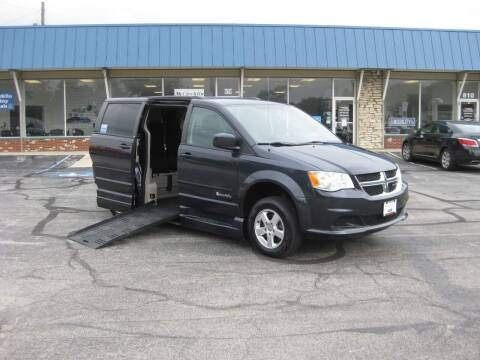 2013 Dodge Grand Caravan for sale at McCrocklin Mobility in Middletown IN