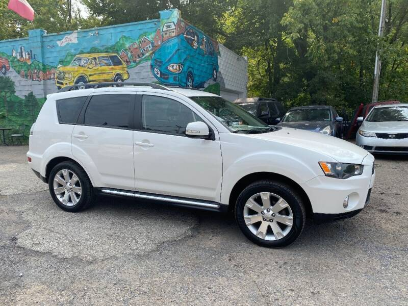 2013 Mitsubishi Outlander for sale at Showcase Motors in Pittsburgh PA