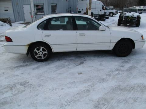 1998 Toyota Avalon for sale at D & T AUTO INC in Columbus MN