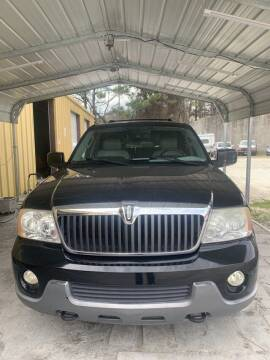 2004 Lincoln Navigator for sale at J D USED AUTO SALES INC in Doraville GA