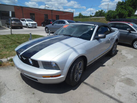 2005 Ford Mustang for sale at VEST AUTO SALES in Kansas City MO