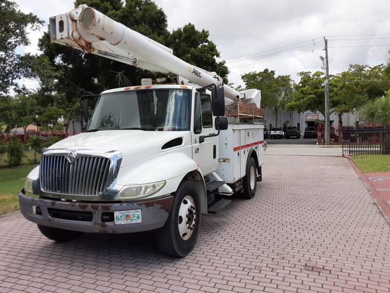 2007 International DuraStar 4300 for sale in Fort Lauderdale, FL