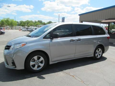 2018 Toyota Sienna for sale at Blue Book Cars in Sanford FL