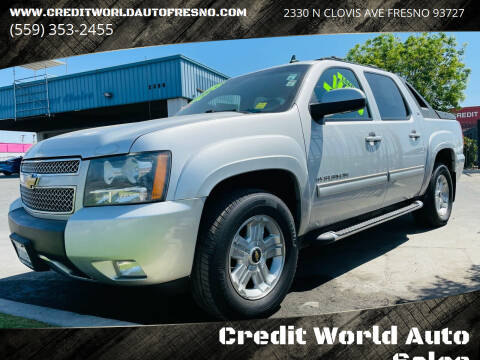 2011 Chevrolet Avalanche for sale at Credit World Auto Sales in Fresno CA