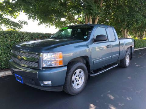 2007 Chevrolet Silverado 1500 for sale at Matthews Motors LLC in Algona WA