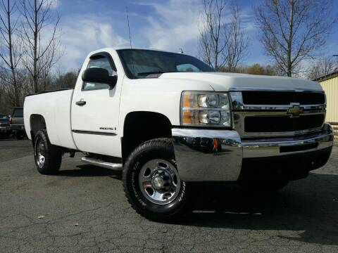 2007 Chevrolet Silverado 2500HD for sale at GLOVECARS.COM LLC in Johnstown NY