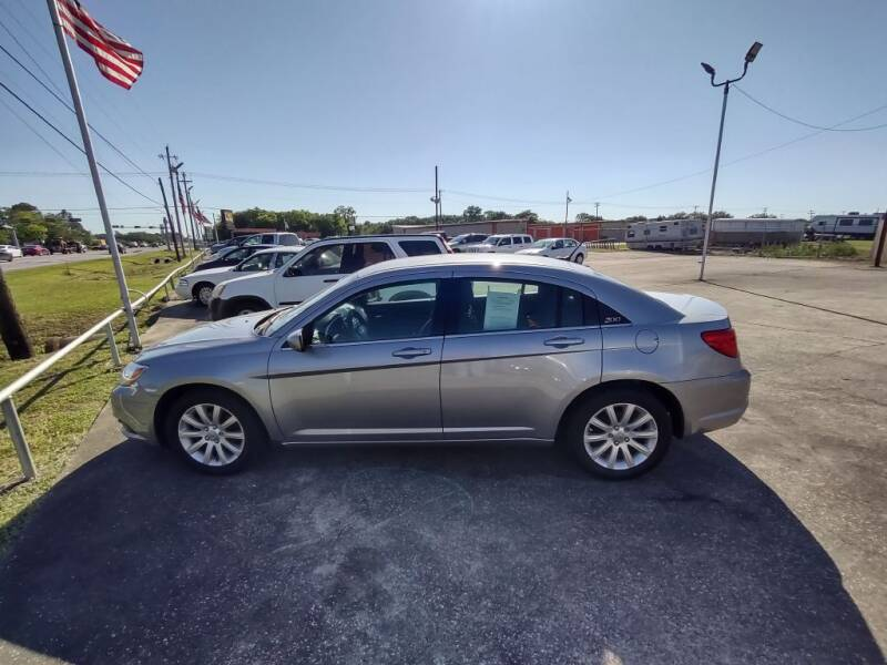 2014 Chrysler 200 for sale at BIG 7 USED CARS INC in League City TX