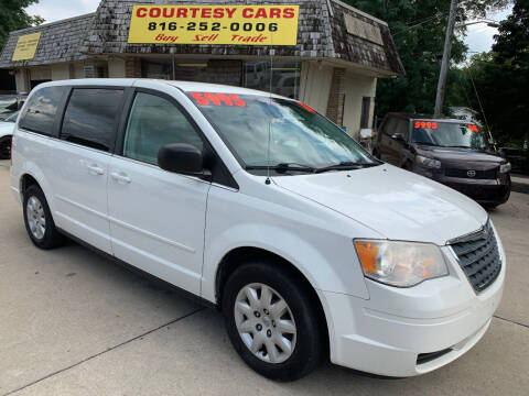 2010 Chrysler Town and Country for sale at Courtesy Cars in Independence MO