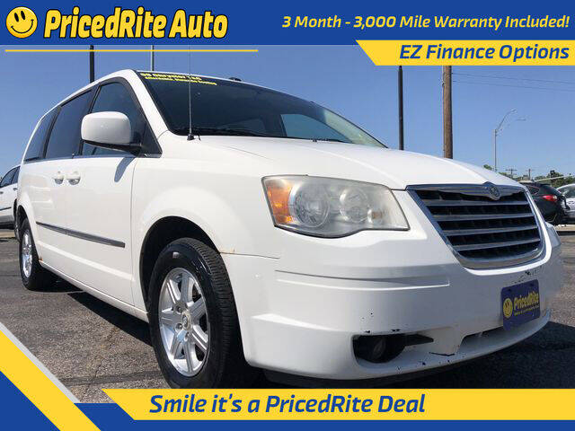 2009 Chrysler Town and Country for sale in Lincoln, NE