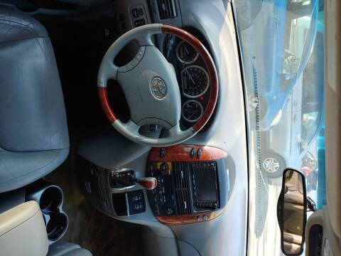 2005 Toyota Sienna for sale at Best Choice Auto Market in Swansea MA