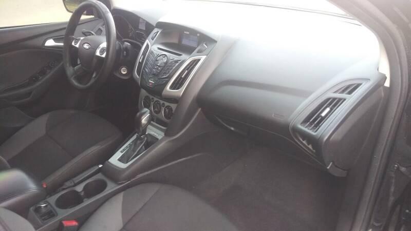 2014 Ford Focus SE 4dr Sedan - Alpharetta GA
