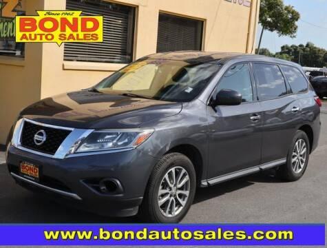2013 Nissan Pathfinder for sale at Bond Auto Sales in St Petersburg FL