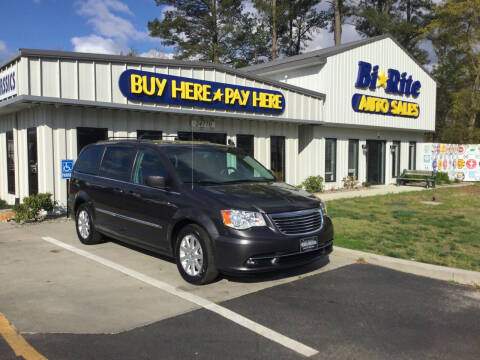 2016 Chrysler Town and Country for sale at Bi Rite Auto Sales in Seaford DE