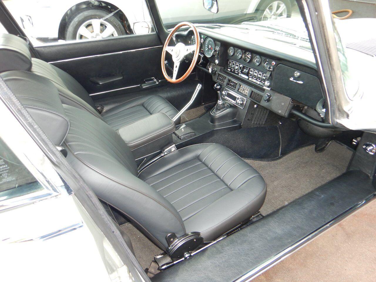 1973 Jaguar XKE 68