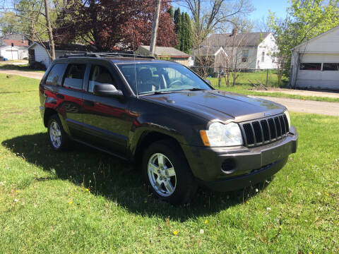 2005 Jeep Grand Cherokee for sale at Antique Motors in Plymouth IN