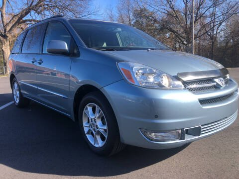 2004 Toyota Sienna for sale at Creekside Automotive in Lexington NC