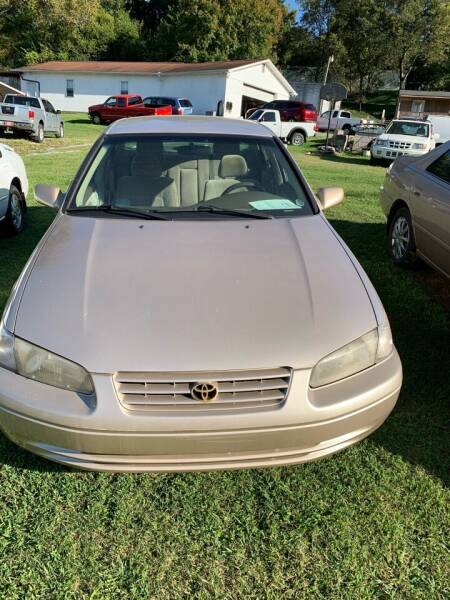 1997 Toyota Camry for sale at WARREN'S AUTO SALES in Maryville TN