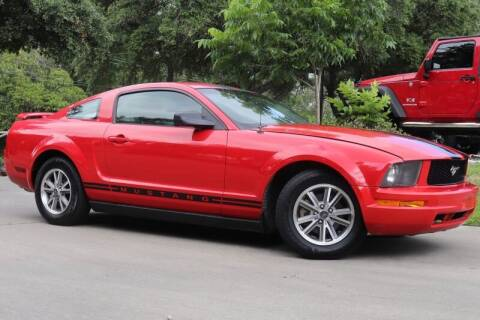2005 Ford Mustang for sale at SELECT JEEPS INC in League City TX