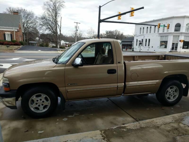 2000 Chevrolet Silverado 1500 for sale at ROBINSON AUTO BROKERS in Dallas NC