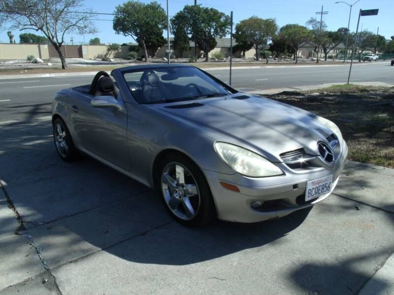 2005 Mercedes-Benz SLK for sale at Hollywood Auto Brokers in Los Angeles CA