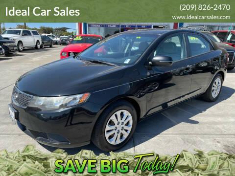 2011 Kia Forte for sale at Ideal Car Sales in Los Banos CA