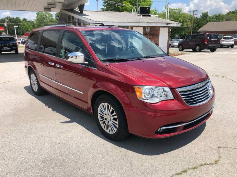 2011 Chrysler Town and Country for sale in O'Fallon, MO