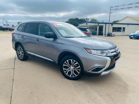 2018 Mitsubishi Outlander for sale at Pioneer Auto in Ponca City OK