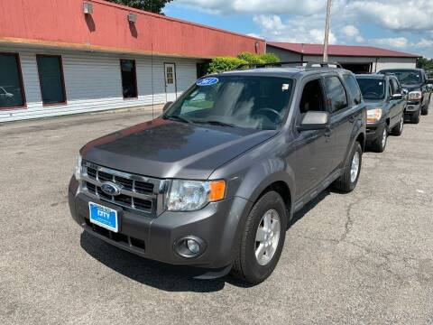 2011 Ford Escape for sale at Best Buy Auto Sales in Murphysboro IL
