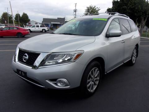 2015 Nissan Pathfinder for sale at Ideal Auto Sales, Inc. in Waukesha WI