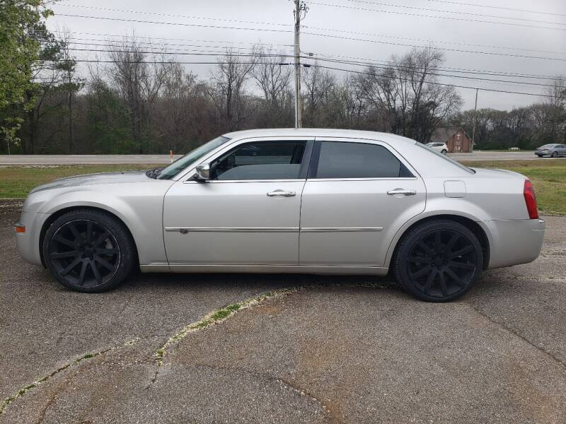 2010 Chrysler 300 for sale at Tennessee Valley Wholesale Autos LLC in Huntsville AL