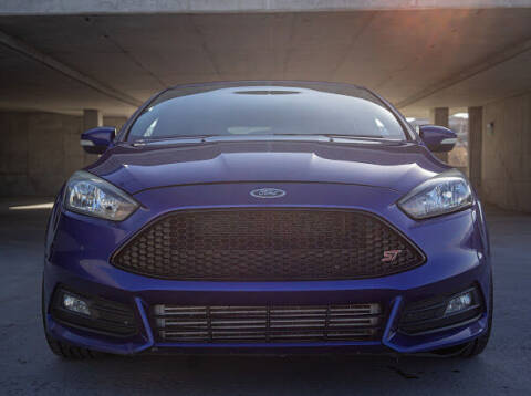 2015 Ford Focus for sale at The Car-Mart in Murray UT