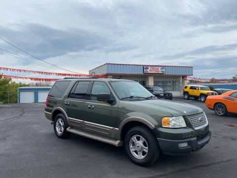 2003 Ford Expedition for sale at FIESTA MOTORS in Hagerstown MD
