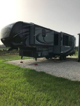 2015 Heartland Cyclone 3110 for sale at Bizy Bees Outlet in Waldo FL