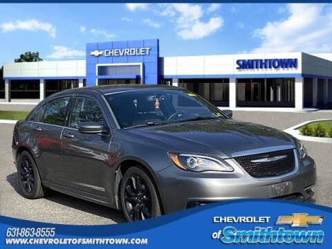 2013 Chrysler 200 for sale at CHEVROLET OF SMITHTOWN in Saint James NY