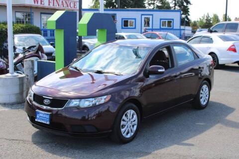 2010 Kia Forte for sale at BAYSIDE AUTO SALES in Everett WA