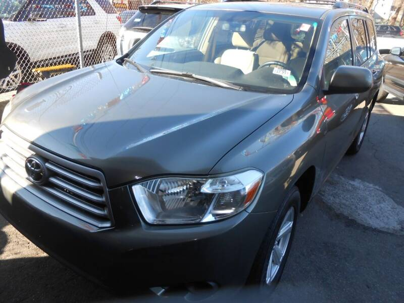 2009 Toyota Highlander for sale at N H AUTO WHOLESALERS in Roslindale MA
