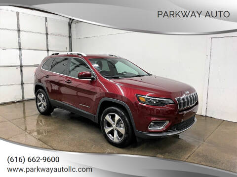 2020 Jeep Cherokee for sale at PARKWAY AUTO in Hudsonville MI