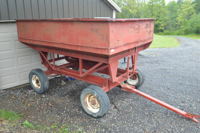 1982 UNVERFERTH MCFERDY 300 for sale at Hollern & Sons Auto Sales in Johnstown PA