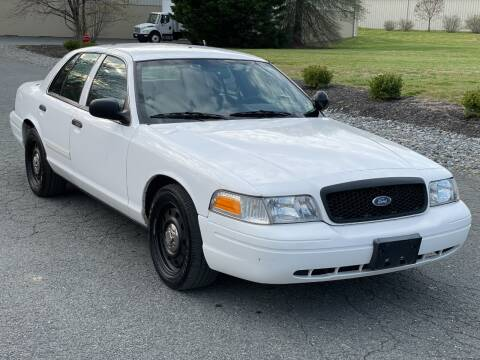 2009 Ford Crown Victoria for sale at ECONO AUTO INC in Spotsylvania VA