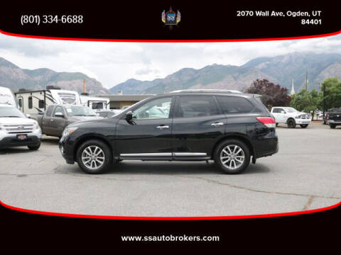 2015 Nissan Pathfinder for sale at S S Auto Brokers in Ogden UT