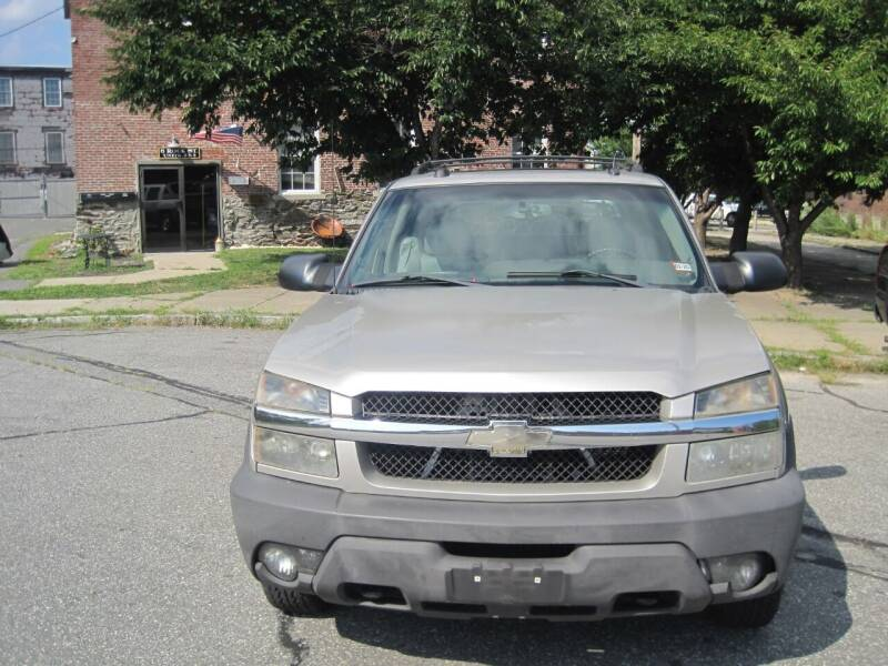 2005 Chevrolet Avalanche for sale at EBN Auto Sales in Lowell MA