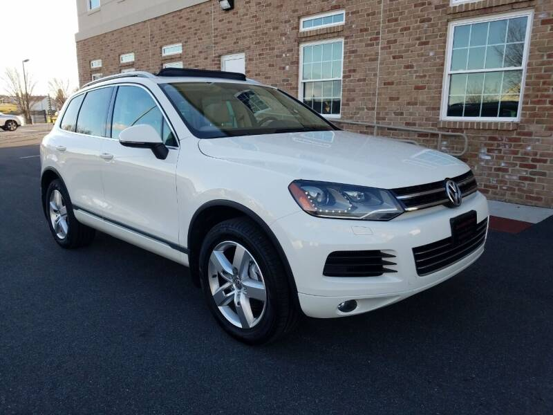 2012 Volkswagen Touareg for sale at John Huber Automotive LLC in New Holland PA
