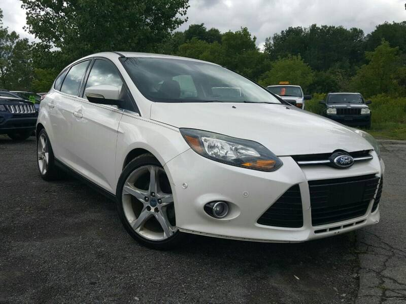 2012 Ford Focus for sale at GLOVECARS.COM LLC in Johnstown NY