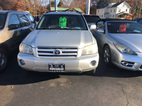 2004 Toyota Highlander for sale at Whiting Motors in Plainville CT