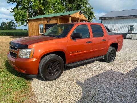 2007 Chevrolet Avalanche for sale at CMC AUTOMOTIVE in Roann IN