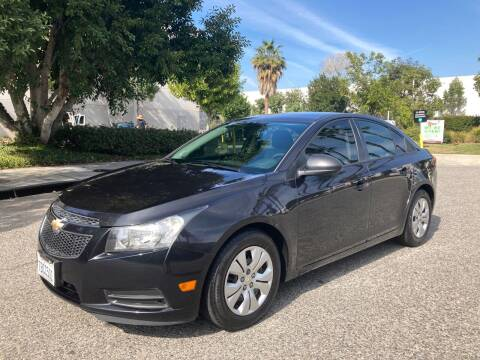 2013 Chevrolet Cruze for sale at Trade In Auto Sales in Van Nuys CA